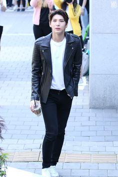 Kpop Merch, Kpop Fashion Outfits, Vixx, Korean Fashion, Leo, Bomber Jacket, Punk, Leather Jacket, Jackets