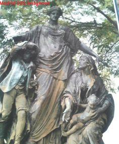 La diosa protectora de la infancia y la viudez. Estuvo colocada en el edificio de la Unión y el Fénix, hoy está situada en la plaza del Campillo del Mundo Nuevo