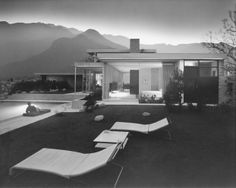 Kaufman House by Julius Shulman One of noted architectural photographer Julius Shulman's most famous photographs of the Kaufmann House in Palm Springs, California designed by architect Richard Neutra Richard Neutra, Casa Eichler, Maison Eichler, Palm Springs, Desert House, Casa Kaufmann, John Lautner, Modernisme, Architectural Photographers
