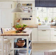 90 moderne k chen mit kochinsel ausgestattet pinterest k chenblock kochinsel und moderne k che. Black Bedroom Furniture Sets. Home Design Ideas