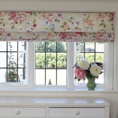 best 25 kitchen blinds ideas on pinterest kitchen Plantations Blinds Kitchen Windows Cafe Curtains Over Kitchen Sink