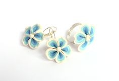 Blue flowers earrings Botanical jewelry White ceramic set Floral earring Delicate flower earring Blue stud earring Bridesmaid flower stud earrings