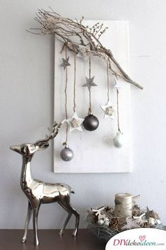DIY Christmas decorations and craft ideas for Christmas, Scandinavian decorations, branches decorated with paper decorations and fairy lights Informations About Skandinavische DIY Weihnachtsdeko und Bastelideen …