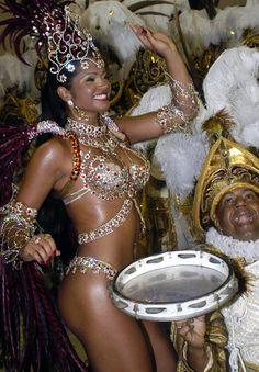 2010 Rainha da Bateria of Mocidade  Thatiana Pagung, Brazil | #CaribbeanEntrepreneur #KiwiTravelTips