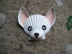 Hey, I found this really awesome Etsy listing at https://www.etsy.com/listing/209256991/chihuahua-magnet-white-seashell