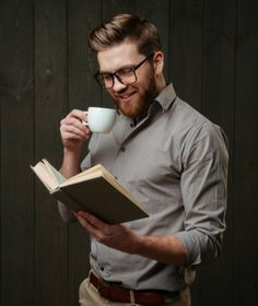 Libros de finanzas en pdf y gratis para descargar que mejorarán tus finanzas personales, de modo que puedas alcanzar tus metas y puedas gozar de la independencia financiera.