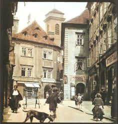 Prague, Old Town on colored photos from beginning of Old Pictures, Old Photos, Prague Photos, Prague Czech Republic, Heart Of Europe, Medieval Town, Historical Pictures, Old Postcards, Eastern Europe