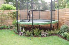Stunning Outdoor Playground Areas Ideas For Child 09 Backyard Trampoline, Backyard Playground, Backyard Garden Design, Backyard For Kids, Backyard Landscaping, Playground Kids, Luxury Landscaping, Backyard Games, Landscaping Design