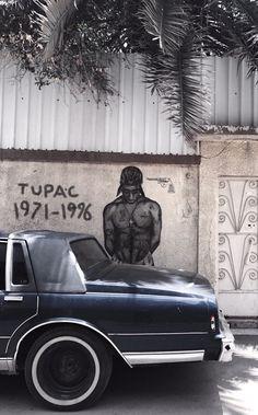 "Tupac, ""I heard Brenda's got a baby. 2pac Wallpaper, Pop Art Wallpaper, Iphone Wallpaper, Arte Do Hip Hop, Hip Hop Art, Dope Wallpapers, Aesthetic Wallpapers, Arte Lowrider, Tupac Pictures"