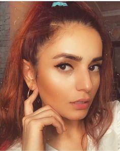 Momina Mustehsan Hot, Cute Girl Face, Cute Girls, Hoop Earrings, Stars, Jewelry, Fashion, Moda, Jewlery