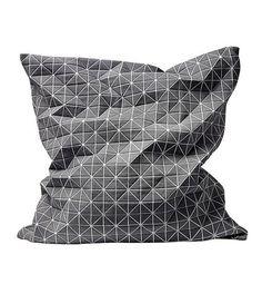 Via Bloomingville | Geometric Pillow