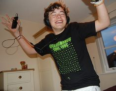 When i finally think I am alright i see a fetus pic of Harry.