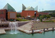 Downtown Chattanooga | The Tennessee Aquarium downtown Chattanooga Tennessee.