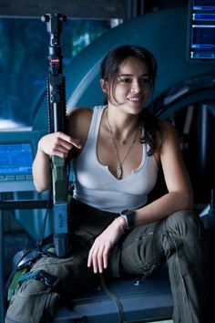 Michelle Rodriguez for the Expendabelles. Maybe if Vin Diesel is working with expendables, then she could be his love interest like in the fast and furious movies. Mädchen In Uniform, Man In Black, Badass Aesthetic, Warrior Girl, Military Women, Action Poses, Badass Women, Fast And Furious, Hollywood Actresses
