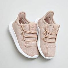 New ideas baby shoes yeezy Fashion Kids, Best Fashion For Boys, Baby Girl Fashion, Toddler Fashion, Toddler Outfits, Girl Outfits, Fresh Outfits, Fashion Outfits, Cute Baby Shoes