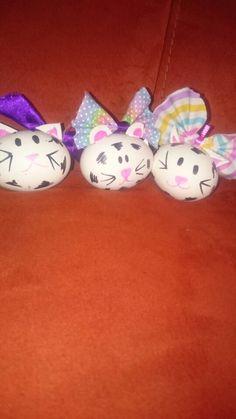 Cat easter eggs