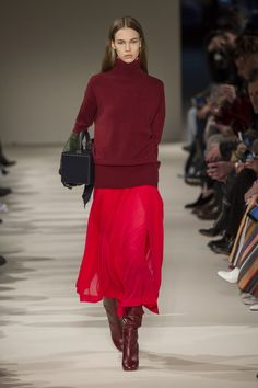 Victoria Beckham Fall / Winter Victoria Beckham Herbst/Winter See all pictures from Victoria Beckham& show during New York Fashion Week for Fall / Winter - New York Fashion, Fashion 2017, Look Fashion, Runway Fashion, Trendy Fashion, Fashion Outfits, Womens Fashion, Fashion Tips, Fashion Trends