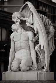 Death's Kiss (C. de Poble Nou). by Belsaita