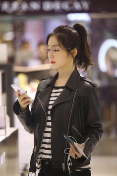 a look; Red Velvet アイリーン, Irene Red Velvet, Kpop Outfits, Korean Outfits, Seulgi, Kpop Fashion, Korean Fashion, Korean Girl, Asian Girl