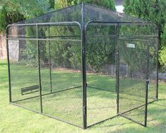 x Expanded Metal Peaked Top for Dog Runs and Aviaries – Dog Kennel K9 Kennels, Cheap Dog Kennels, Dog Yard, Dog Fence, Outdoor Dog Runs, Metal Dog Kennel, Diy Cat Enclosure, Pet Bird Cage, Dog Crate Cover
