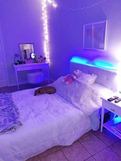 Neon Bedroom, Cute Bedroom Decor, Room Design Bedroom, Room Ideas Bedroom, Teen Room Decor, Trendy Bedroom, Chill Room, Cozy Room, Room Ideias