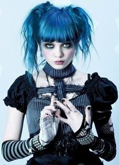 Punk goth lolita done well Grunge Goth, Nu Goth, Grunge Hair, Gothic Mode, Gothic Lolita, Gothic Art, Victorian Gothic, Goth Beauty, Dark Beauty