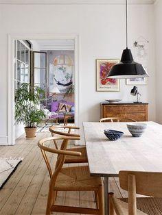 Scandinavian Dining Room Design: Ideas & Inspiration - Di Home Design Esstisch Design, Dining Room Inspiration, Dining Room Lighting, Home And Deco, Dining Room Design, Dining Furniture, Furniture Ideas, Furniture Design, Furniture Makeover