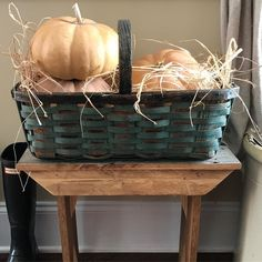 """68 Likes, 6 Comments - Sweet Carolina Belles (@sweetcarolinabelles) on Instagram: """"Happy fall Friday! 🍁🍂 Sharing for #BasketFridayFrenzy #myfavpicfriday #thedesigntwins…"""""""
