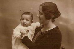 Urania Mella y su hijo Raúl. / ARCHIVO DE RAÚL SOLLEIRO MELLA