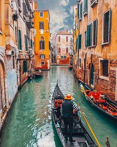 Venecia Italia by @ Places Around The World, Oh The Places You'll Go, Places To Travel, Around The Worlds, Visit Venice, Travel Aesthetic, Beautiful Places To Visit, Travel Abroad, Venice Italy