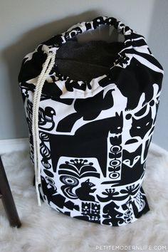 This DIY Laundry Tote uses beautiful Marimekko fabric and is totally multi functional. Marimekko Fabric, Kwik Sew Patterns, Bag Making, Sewing Projects, Sewing Ideas, Tote Bag, Laundry Bags, Diy, Modern