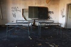 Sonntag, 08.02., 10:52 Uhr – Köpenick, verlassener Unterrichtsraum: Passend zur Debatte um marodierende Schulen in Berlin. © Eva Kejíková