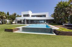 Contemporary Beachfront Jewel - Villa for rent in Los Monteros, Marbella East