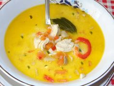 Greece Food, Cheeseburger Chowder, Thai Red Curry, Soup, Ethnic Recipes, Kitchen, Diet, Red Peppers, Recipies