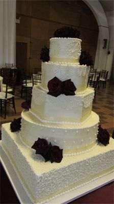 I designed my own wedding cake, it turned out beautiful thanks to Lori Martin.
