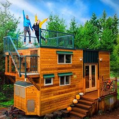 Basecamp Green Tiny House on Wheels by Backcountry Tiny Homes in Vancouver, WA Tiny House Movement // Tiny Living // Tiny House Exterior // Tiny Home Rooftop Deck // Shed Building Plans, Building A Deck, Shed Plans, Cabin Plans, House Plans, Tiny House Exterior, House Exteriors, Tiny House Nation, Outdoor Storage Sheds