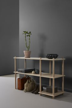 WOUD / Elevate shelving system