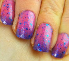 Temperature changing mood gradient polish with glitter