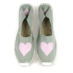 ¡¡Vamos a customizar zapatillas!! Pinta tus alpargatas y dalas un toque personal y original y luce tus zapatillas este verano.