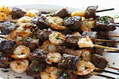 Up your kebab game with surf and turf kebabs with chimichurri sauce! Kebab Recipes, Grilling Recipes, Beef Recipes, Steak Kabobs, Kebabs, Summer Chicken, Steak And Shrimp, Chicken Caesar Salad, I Am Baker