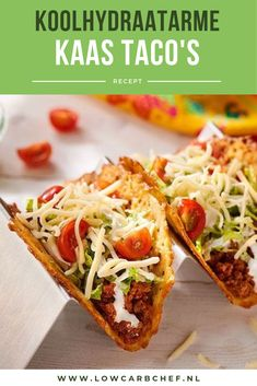 Looking for a low-carb alternative to a taco shell or tortilla? Look no further and try these delicious low-carb cheese tacos. Looking for a low-carb alternative to a taco shell or tortilla? Look no further and try these delicious low-carb cheese tacos. Low Carb Wraps, Healthy Tacos, Healthy Low Carb Recipes, Carpaccio, Pesto, Love Food, Food And Drink, Easy Meals, Cooking Recipes