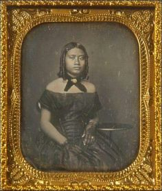 Daguerreotype of a young girl Black Art Pictures, Vintage Pictures, Old Pictures, Vintage Images, Old Photos, Victorian Photos, Antique Photos, Victorian Hair, Old Portraits