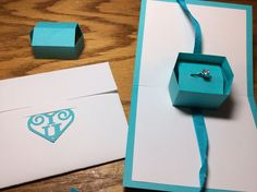 FREE STUDIO Papercrafts and other fun things: Happiness is a Little Blue Box/Present/Gift box Pop-Up Card with removable lid so enclose a gift