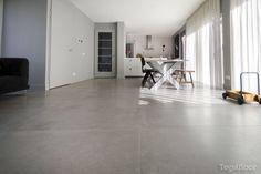 Realisatie 60x120 vloertegels in een woning te Breda - Tegelfloor