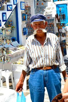 Santorini, Pappous goes shopping