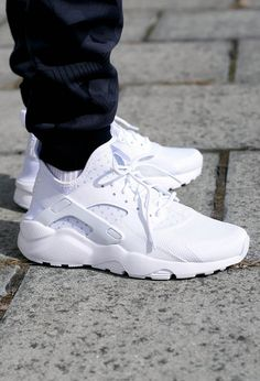 Nike Air Huarache Ultra White 'on feet'