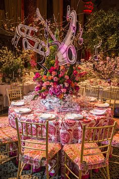 An inside look into the beautifully decorated tables seen at the Lenox Hill Neighborhood House Gala.