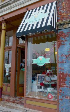 The Flying Cupcake Bakery, Indianapolis, Indiana.