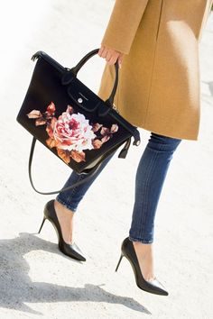 The Brunette x Longchamp - The Brunette Fashion Handbags, Fashion Bags, Fashion Trends, Fashion Styles, Tokyo Fashion, Milan Fashion, Runway Fashion, The Brunette, Latest Fashion For Women