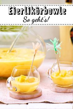 Eggnog punch - the best recipe Eierlikörbowle - das beste Rezept When your favorite liqueur becomes a tasty . Healthy Eating Tips, Healthy Foods To Eat, Healthy Nutrition, Healthy Recipes, Party Drinks, Cocktail Drinks, Cocktail Recipes, Chocolat Lindt, Silvester Party